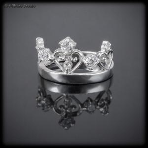предметное фото ювелирных изделий - кольцо в виде короны