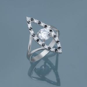 серебряное кольцо с крупным и мелкими фианитами