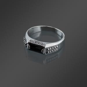фотосъемка ювелирных украшений - серебряное кольцо