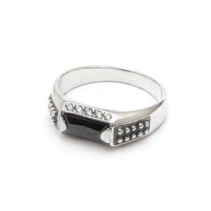 съемка ювелирных украшений - серебряное кольцо
