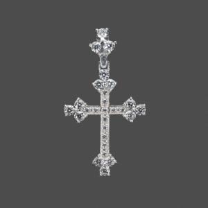 фотосъемка ювелирных украшений из серебра - кулон в виде крестика