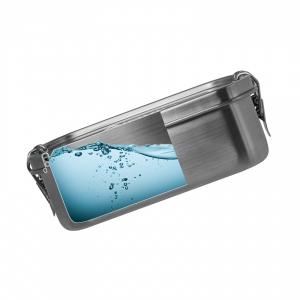 коллаж - бокс в разрезе, заполненный водой