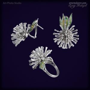 ювелирные изделия из белого золота - серьги и кольцо