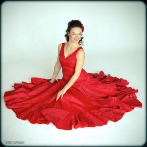 Танцовщица в ярком алом платье - фото-сессии в Харькове