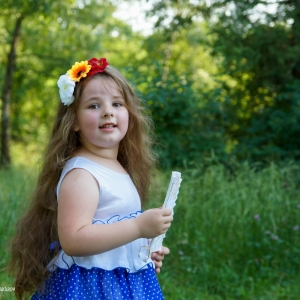 детский портрет - задорная улыбка ребенка