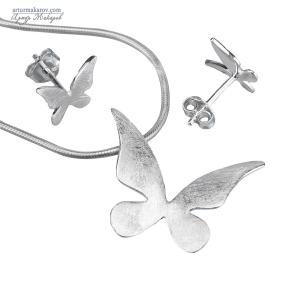 предметная съемка ювелирных украшений - набор из серебряных серьг и кулона