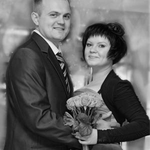 молодая свадебная парочка