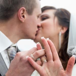 Сладкий поцелуй - свадебное фото Харьков