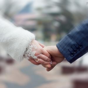 Её рука в его руке - свадебное фото Белгород