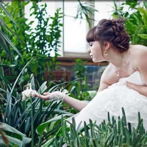 Невеста в ботаническом саду - свадебное фото Белгород