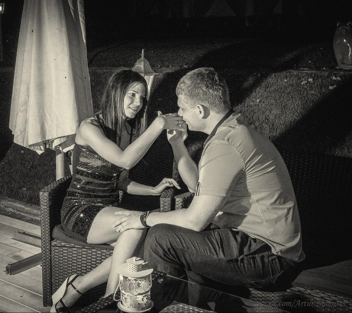 Признание в любви теплым летним вечером